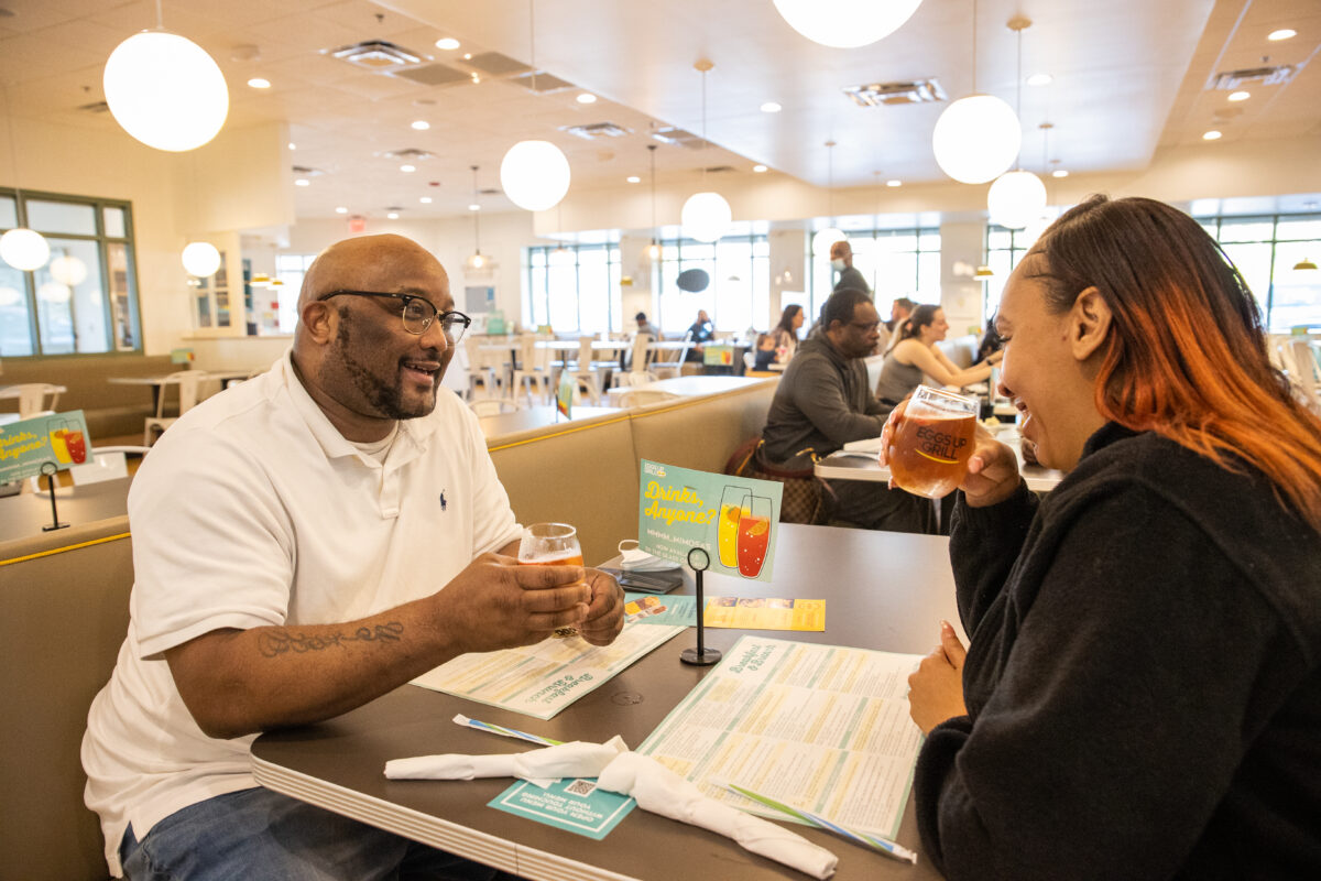 Eggs Up Grill defies odds for midscale dining